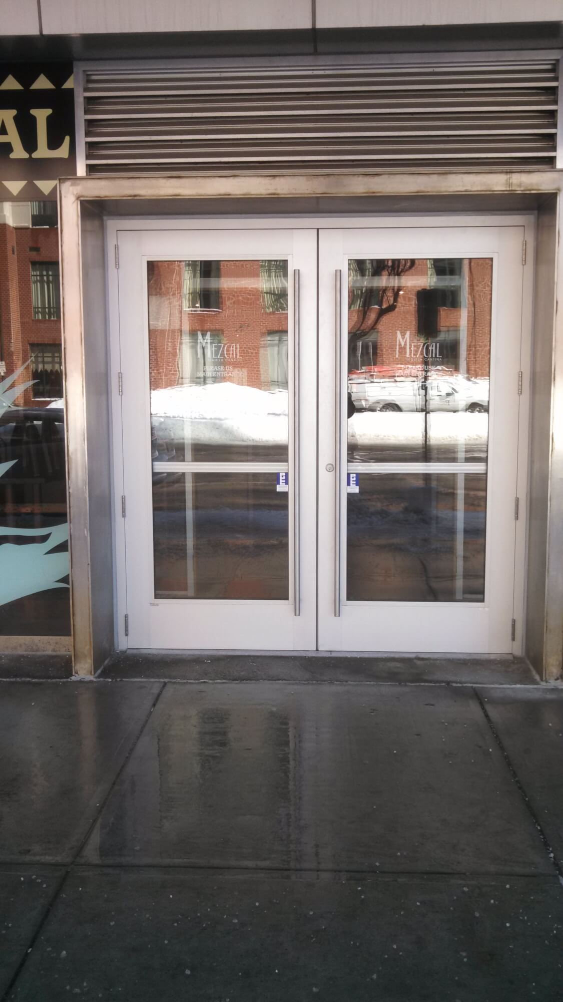 Commercial Glass Doors - Modern Glazing Glass Manufacturer in Worcester, MA