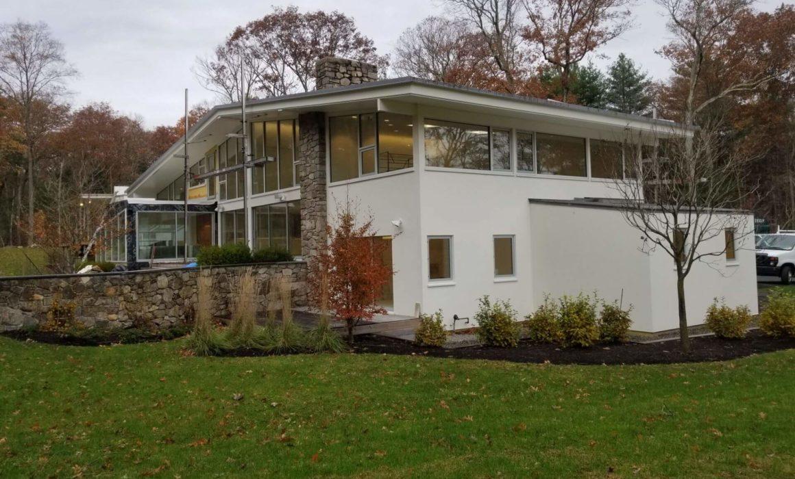 Modern Glazing's construction of custom window installations at the Bouchard House