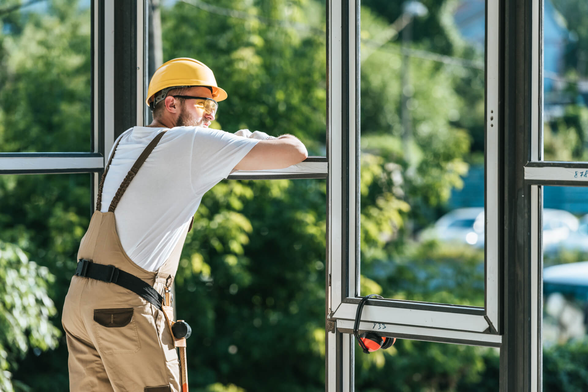Hiring Experienced Glazier Installers and Technicians