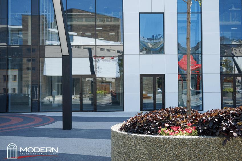10 Benefits of Aluminum Storefront Doors - Modern Architectural Glazing, storefront doors, glass storefronts, glass doors, commercial storefront repair